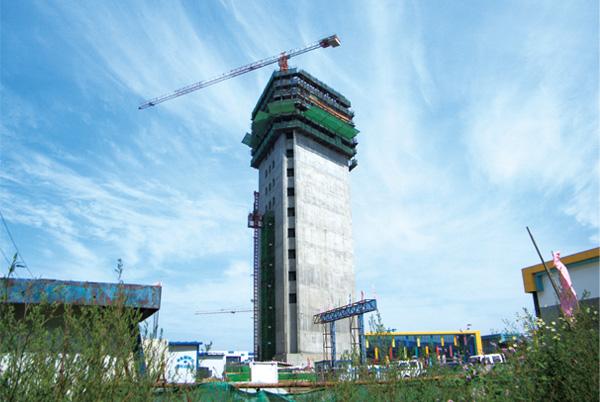 矗立在新厂区的电梯试验塔