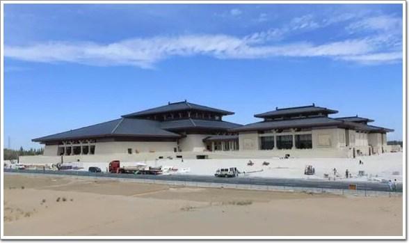 敦煌丝绸之路国际会展中心:最大汉唐风格单体建筑(幕墙,270000㎡)