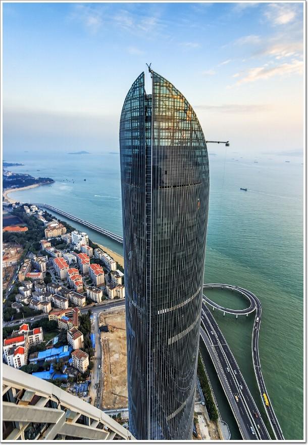 300米厦门世茂海峡大厦幕墙工程堪比吉隆坡双子塔—附结构图纸分享