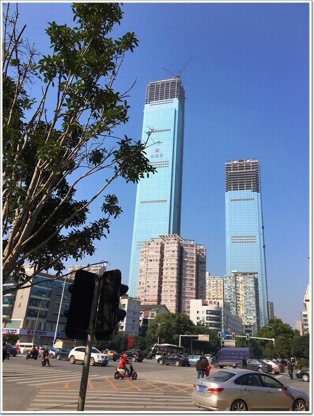"""九龙仓长沙国金中心设计灵感源于张家界""""奇峰秀石"""",452米成长沙第一"""