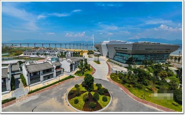 新闻正文    海峡青年交流营地项目位于福州马尾区风景秀丽的琅岐岛